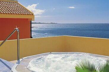 Hovima altamira en costa adeje destinia for Apartamentos hovima jardin caleta