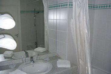h tel les jardins de charlary rouffiac tolosan les meilleures offres avec destinia. Black Bedroom Furniture Sets. Home Design Ideas