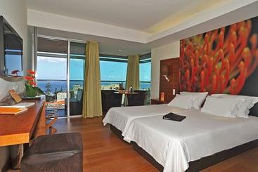 Funchal (melhor preço): Four Views Baía Hotel 4* desde 34€ por noite/pax (29 set - 13 out) [opção voos incl.]