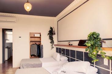 Apartamentos Casa Gracia Barcelona Suites
