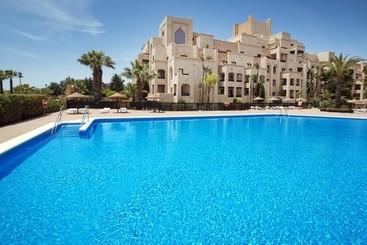 Apartamentos leo las dunas punta del moral les for Jardines isla canela