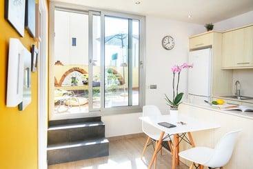 Feelathome Vila Apartment