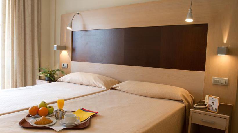 Room Hotel Dynastic Benidorm