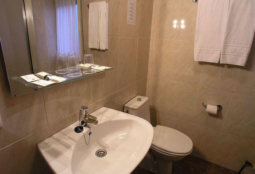 Bathroom Hotel Gorbea Vitoria-Gasteiz