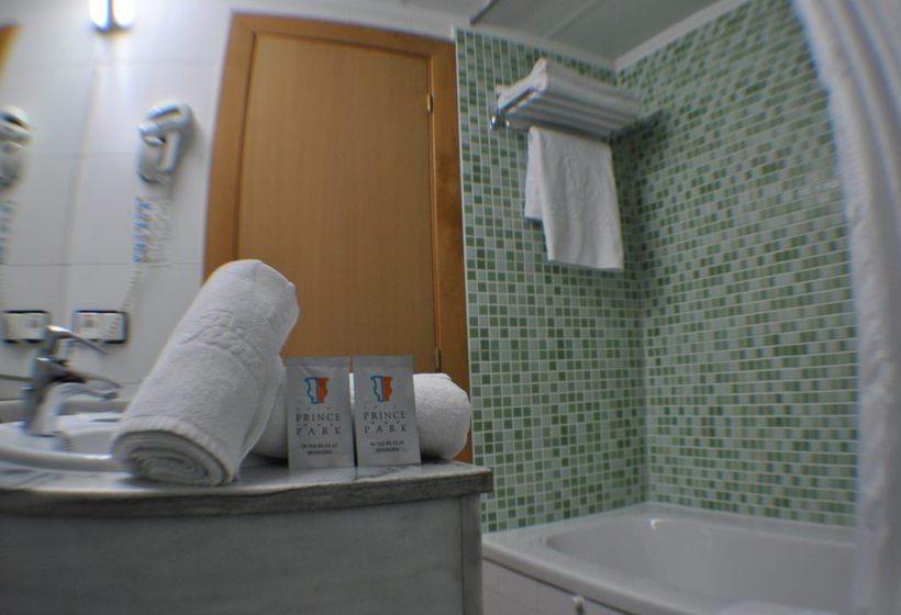 Bathroom Hotel Prince Park Benidorm