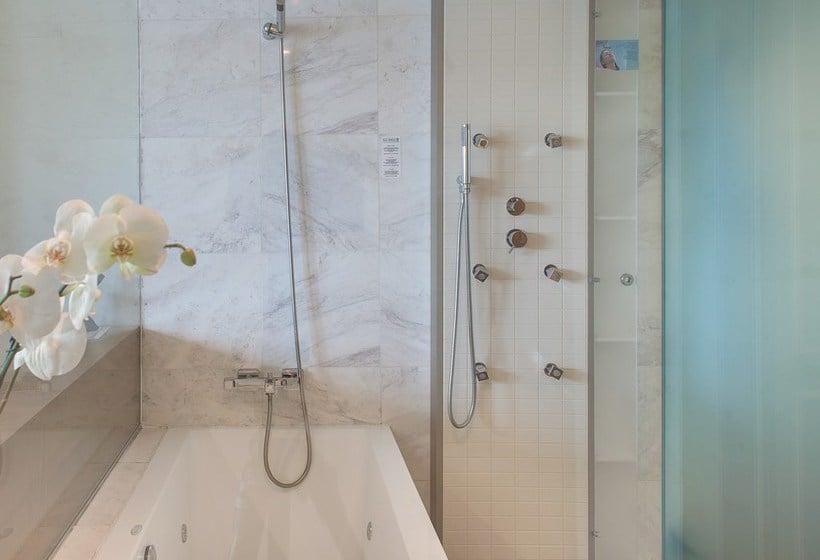 Cuarto de baño Villa Venecia Hotel Boutique Gourmet Benidorm