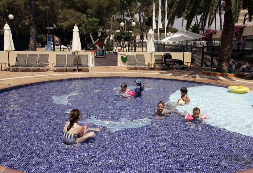 Swimming pool AzuLine Hotel Atlantic Es Canar