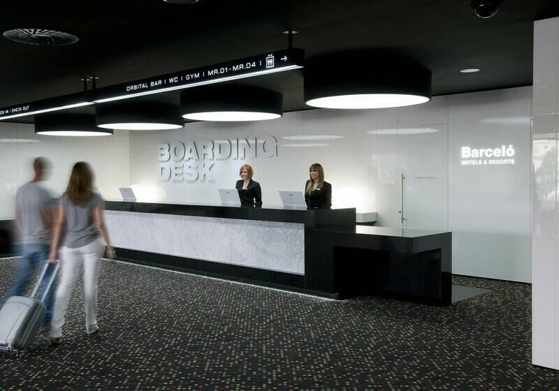 Front desk Hotel Barceló Sants Barcelona