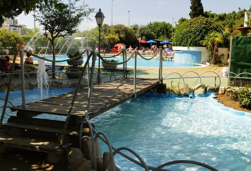 Swimming pool Hotel Fergus Paradis Park Pineda de Mar