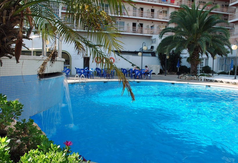 Swimming pool Hotel H Top Olympic Calella