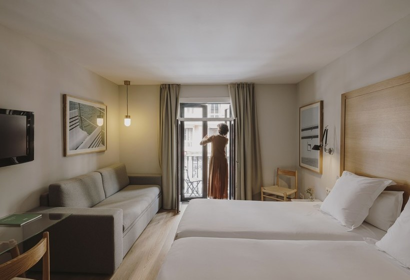 Room Hotel Regina Barcelona