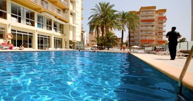 Swimming pool Hotel Safari Gandia
