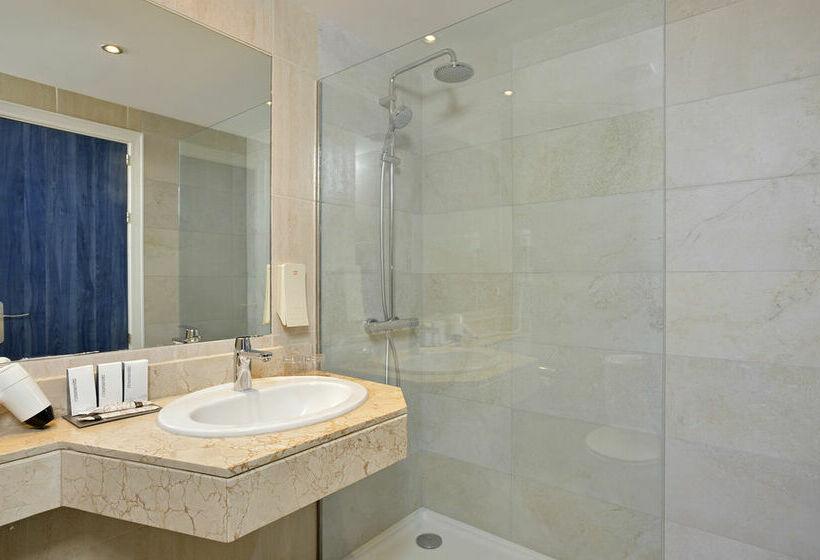 Bathroom Hotel Sol Guadalupe Magalluf