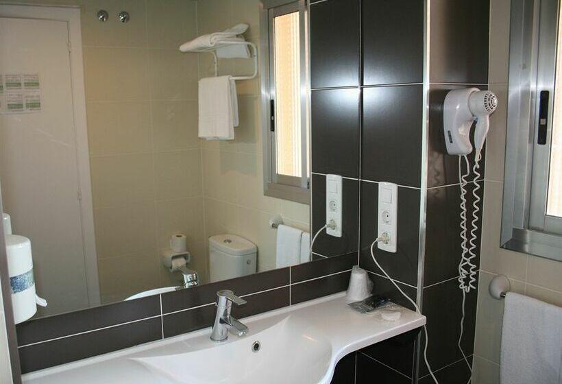 Bathroom Hotel Montreal Benicasim
