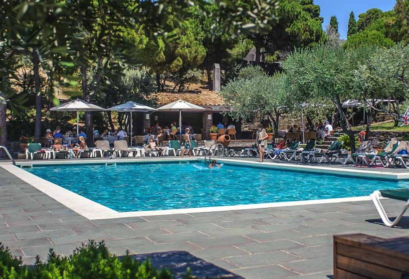 Swimming pool Hotel Playa Sol Cadaques