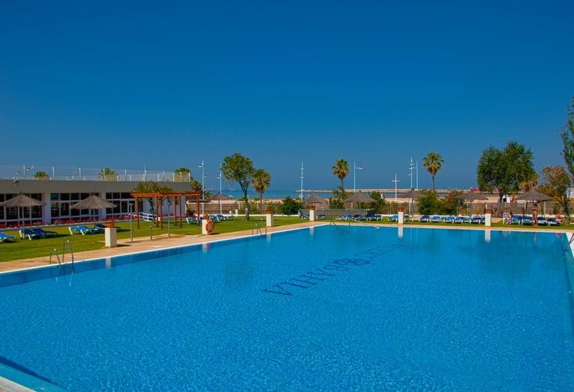 Swimming pool Hotel Puertobahia & Spa El Puerto de Santa Maria
