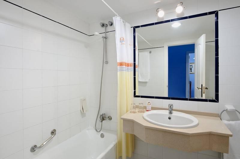 Bathroom Sol Sancti Petri Apartamentos Chiclana de la Frontera