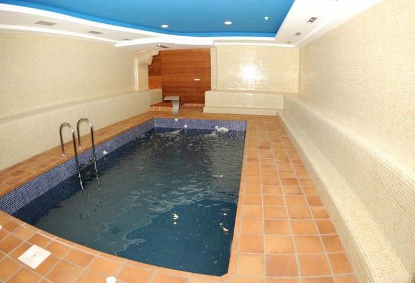 Hotel junquera vigo las mejores ofertas con destinia for Hoteles en vigo con piscina