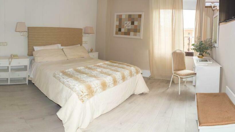 Room Hotel Ares Zamora