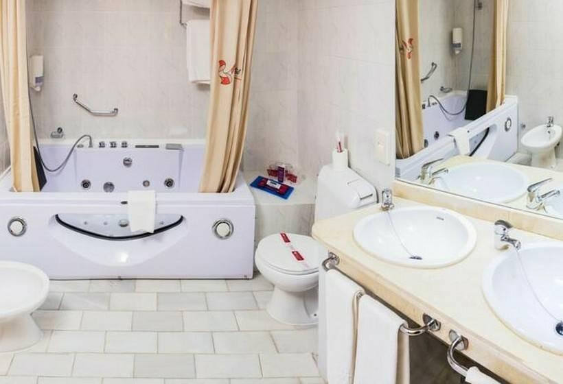 Bathroom Hotel Bellavista Sevilla Seville