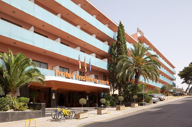 Outside Hotel H Top Molinos Park Salou