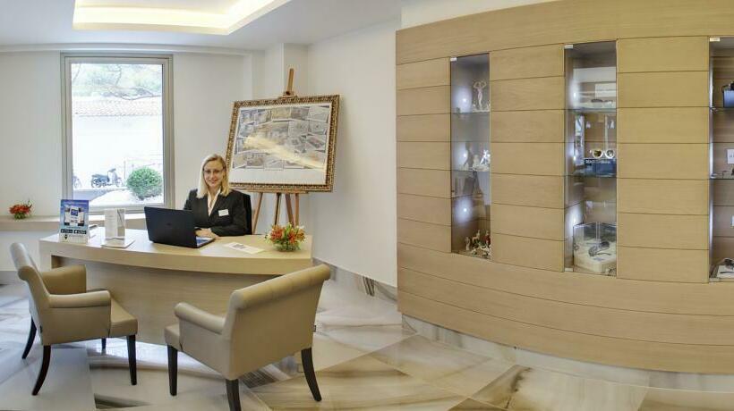 Front desk Hotel Cosmopolita Platja d'Aro