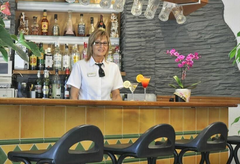 Cafeteria Hotel GHT Xaloc Platja d'Aro