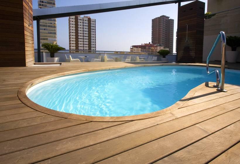 Swimming pool Hotel Agir Benidorm