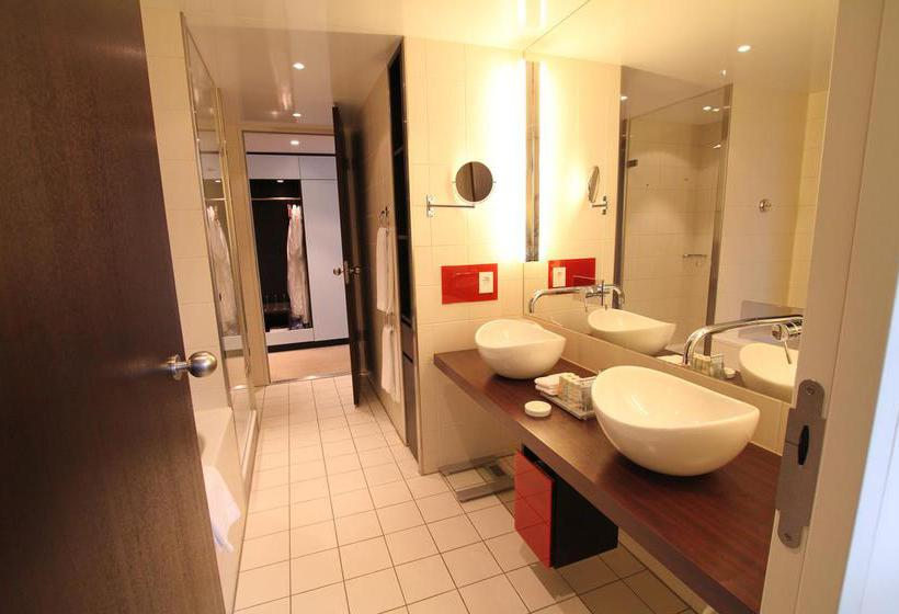 Bathroom Radisson Blu Hotel Berlin