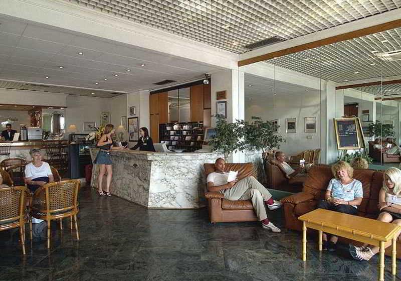 Hotel milano due gzira las mejores ofertas con destinia - Apartamentos baratos en malta ...