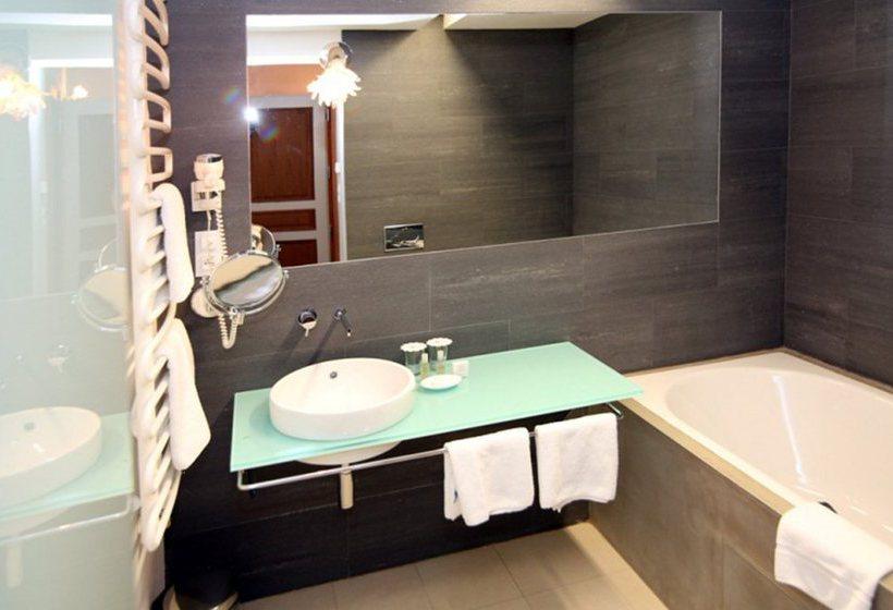 Soggiorno Blu Rubino Planet Rome ~ Idee per il design della casa