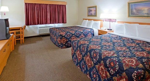 Hotel AmericInn Lakeville