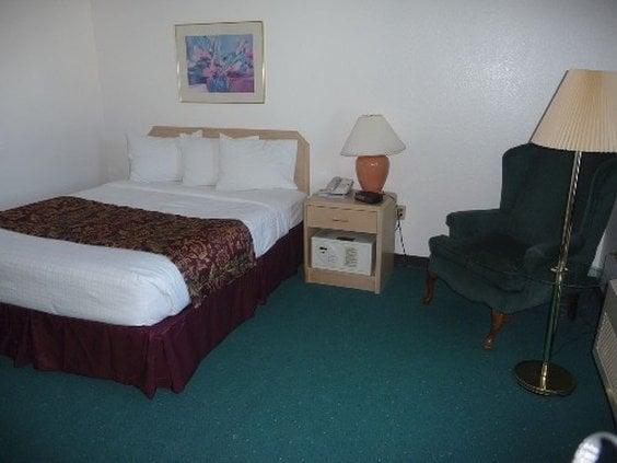 Hotel AmericInn Shawano
