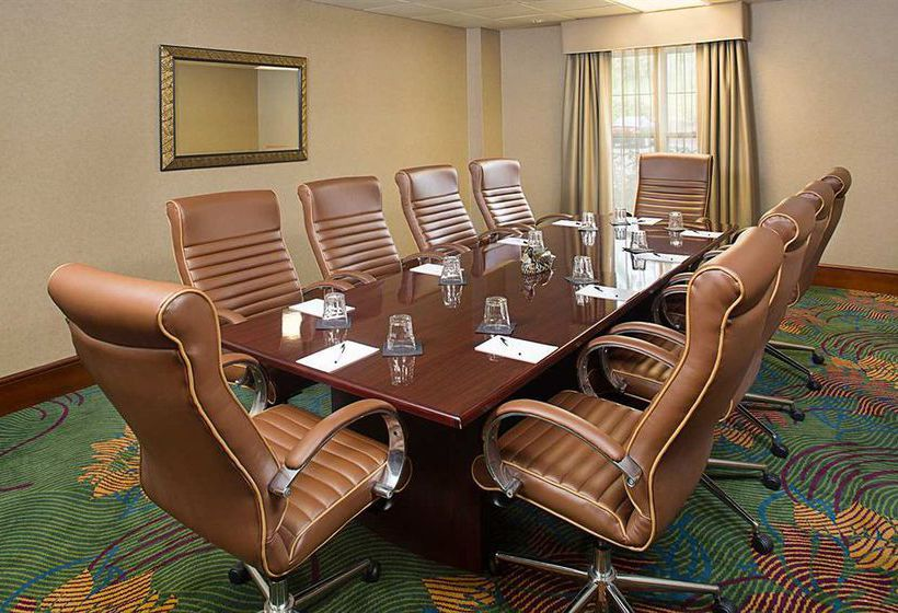 هتل Homewood Suites by Hilton Hartford-Farmington