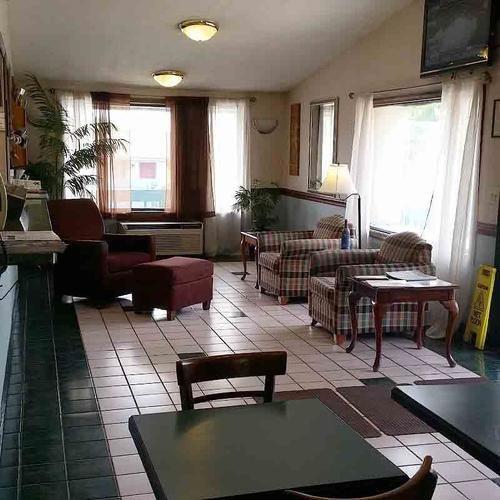 Super 8 Motel Clarion