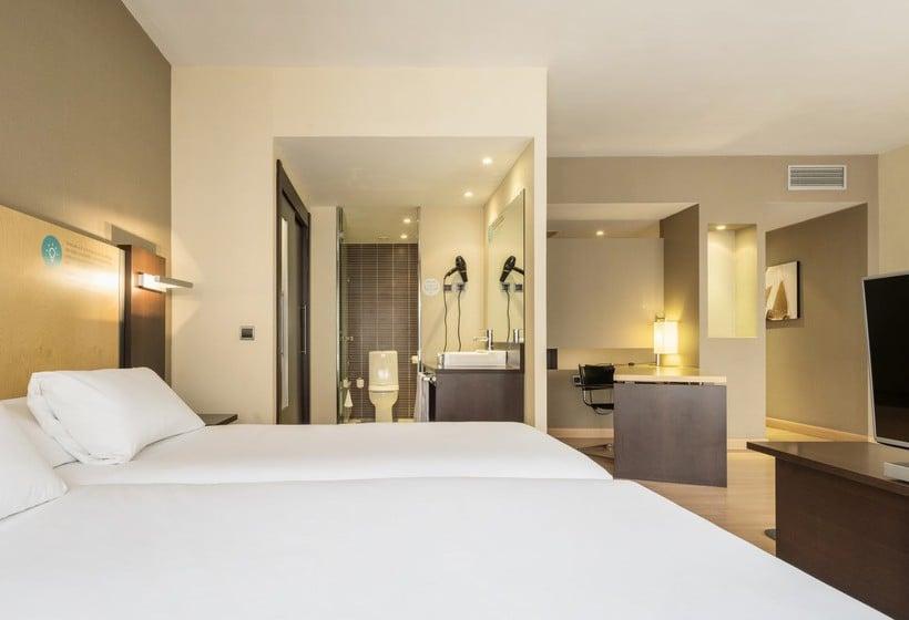 Room Hotel Ilunion Suites Madrid