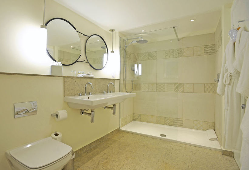 Best western abbey hotel a bath a partire da 60 destinia for Best western bathrooms