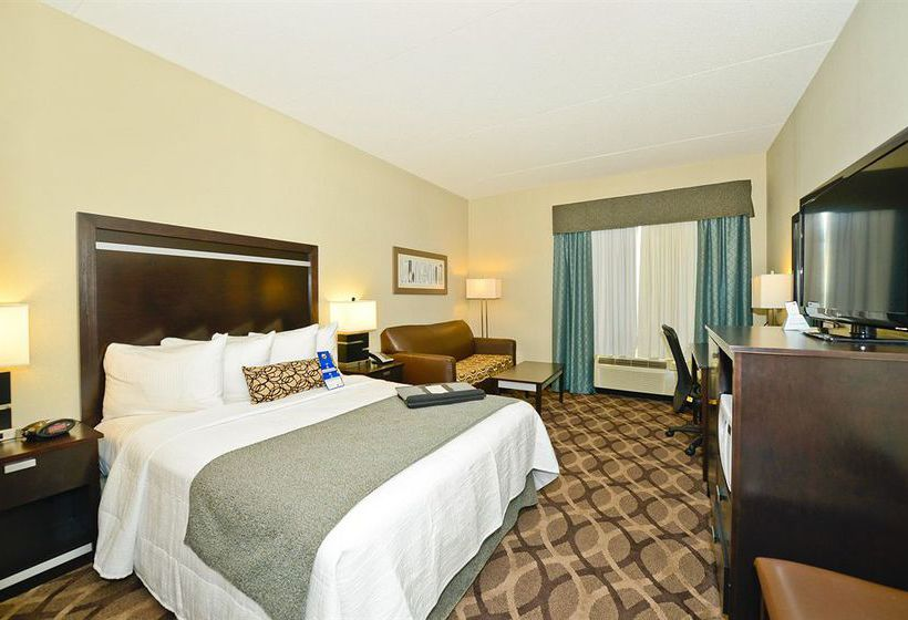 Best Western Plus Travel Hotel Toronto Airport