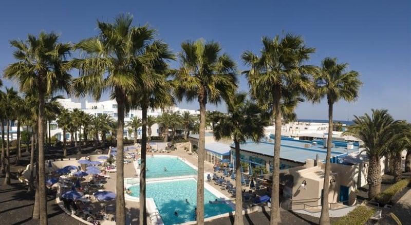 Aparthotel costa mar en puerto del carmen destinia - Hoteles en puerto del carmen ...