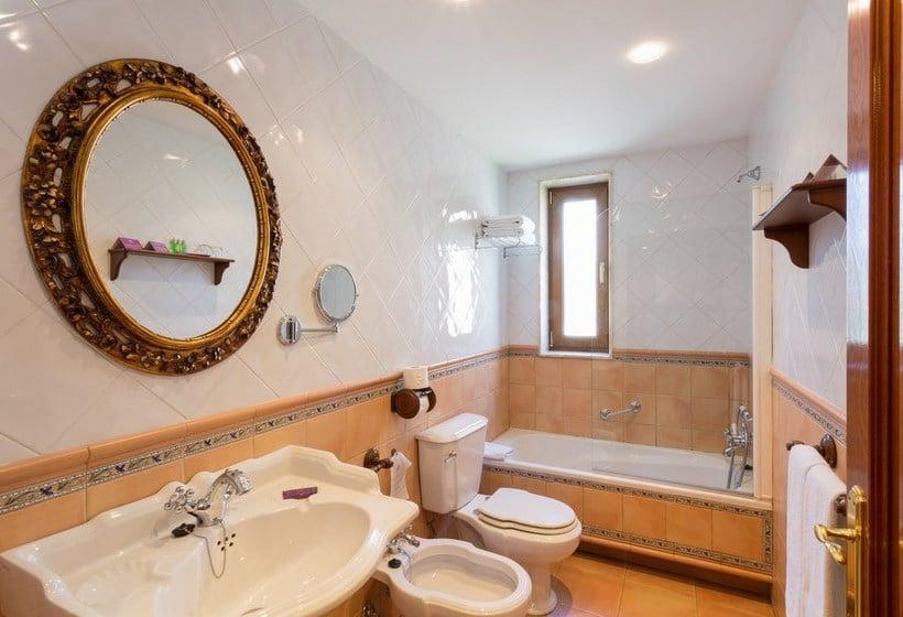 Bathroom Hotel Ayre Alfonso II Oviedo