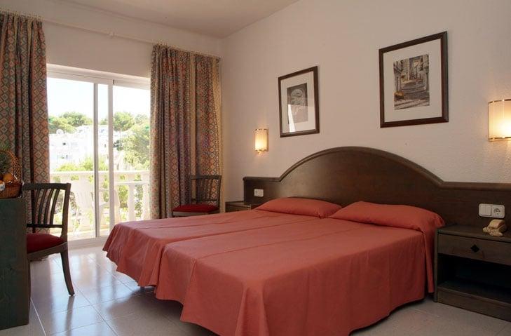 اتاق Grupotel Oasis Cala Portinatx