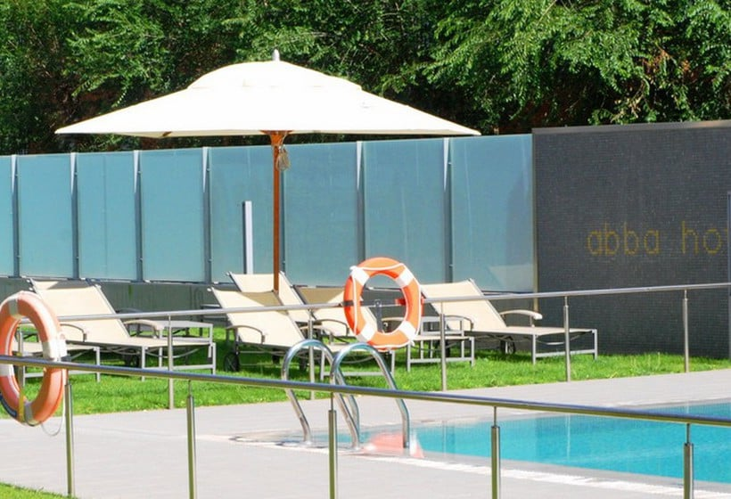 Swimming pool Hotel Abba Huesca