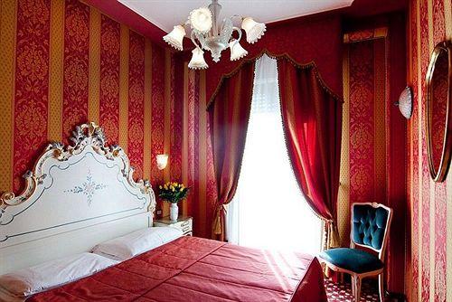 Hotel Belle Arti Venice