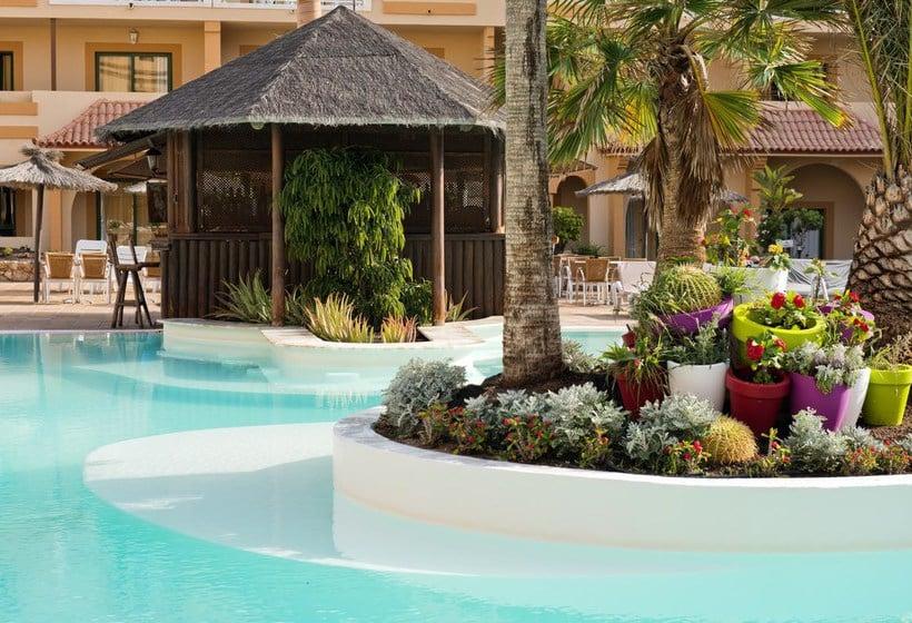 Elba Lucía Sport & Suite Costa de Antigua