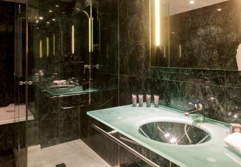 Bathroom Hotel AC Córdoba Cordoba