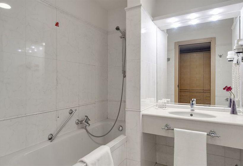 Bathroom Hotel Barcelo Aran Park Rome