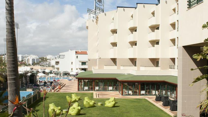 Outside Real Bellavista Hotel & Spa Albufeira