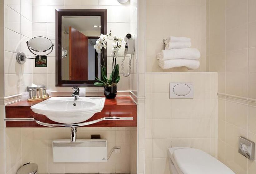 Bathroom Hotel Catalogne Paris Gare Montparnasse