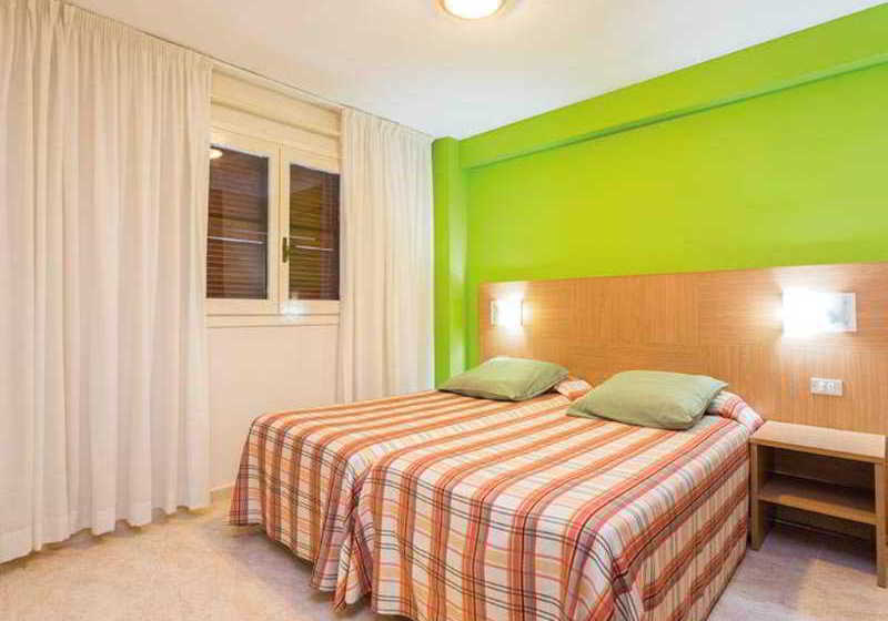 Room Apartamentos California Salou