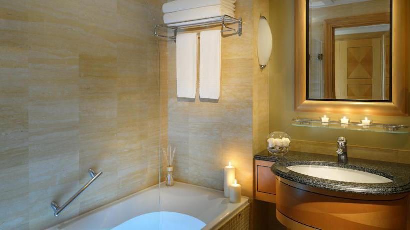 Bathroom Hotel Movenpick Doha